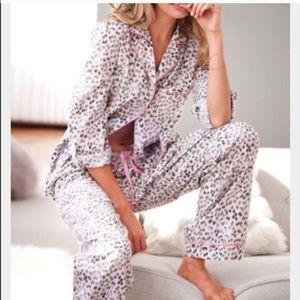 Victoria's Secret snow leopard print pajama set